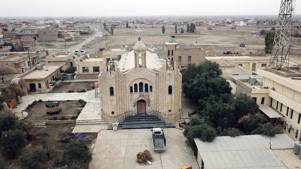 zniszczony kościół w Karakusz, Irak 2018.png
